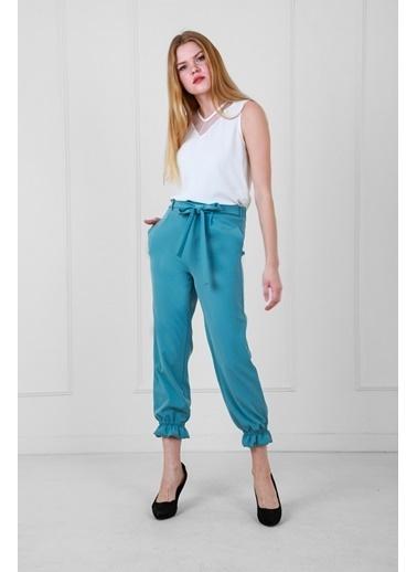 JEANNE D'ARC Belden Bağlamalı Paçası Büzgülü Kısa Paça Pantolon Mavi